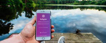 Smartphone met Instagram startscherm
